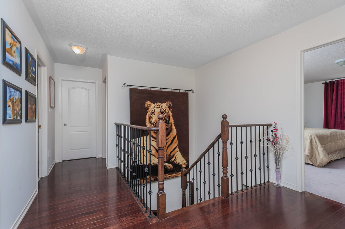 Real Estate Photography Interior Upstairs Landing, Staircase, Real Estate Phtoography Oshawa