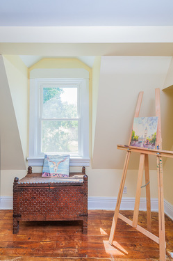 Real Estate Photography Interior, interior design photography, interior design detail artis's easel and antique chest